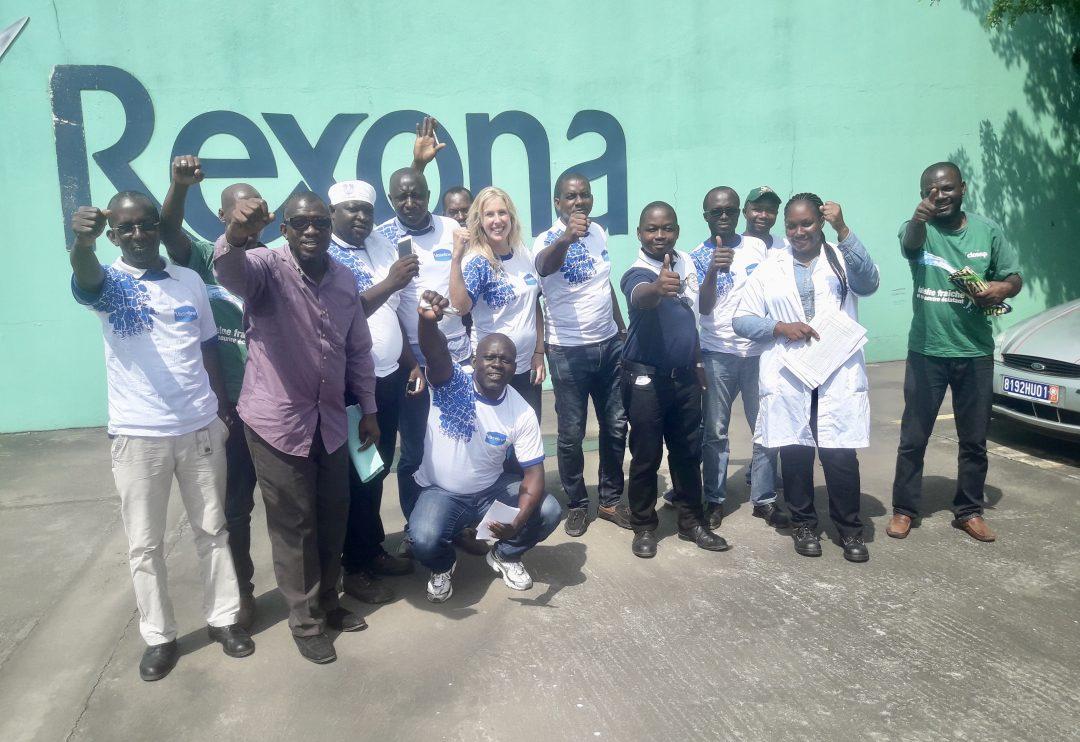 Zwanger temidden van de Ivoriaanse locals